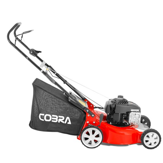 Cobra Push Briggs & Stratton 500E Series Mower 46cm
