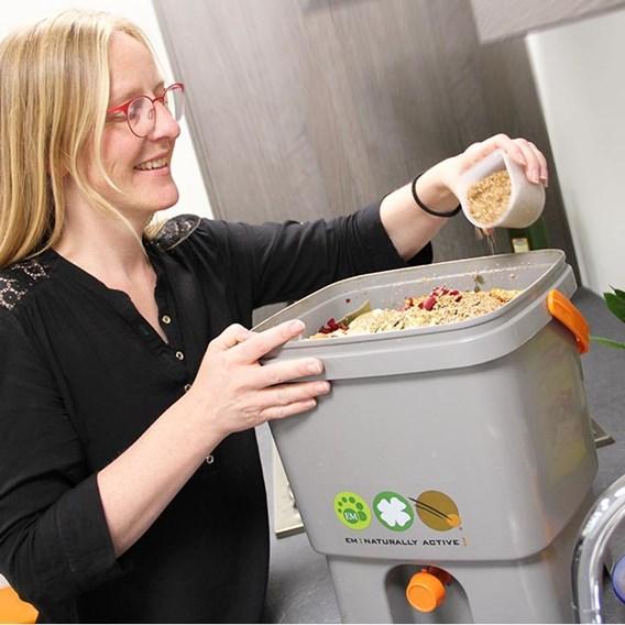 Bokashi Kitchen Waste Composting Kit 2 Buckets And 1Kg Bran