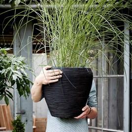 MIH Vase Tapered Round Row 42 x 38 Black